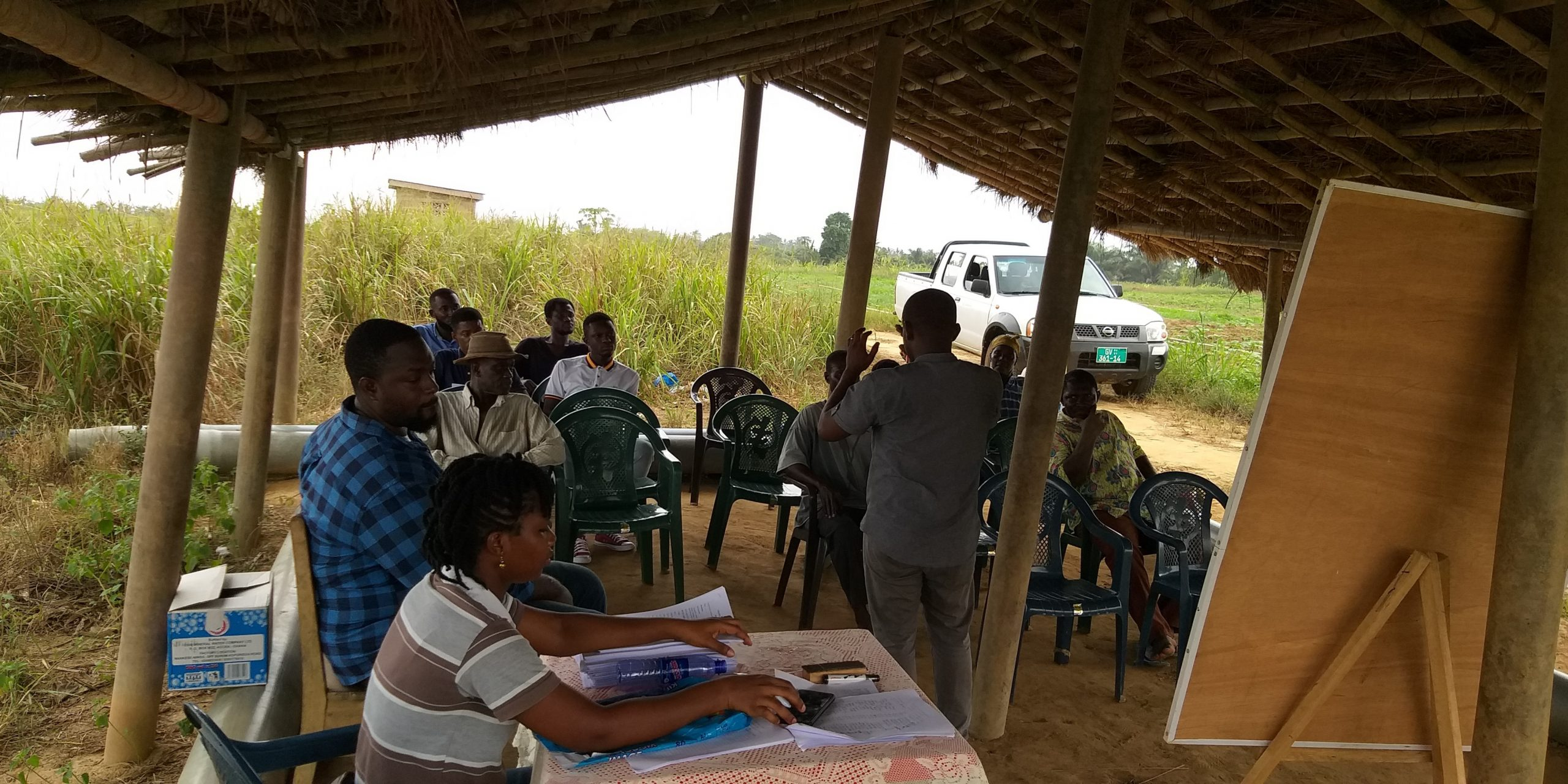 6 CSIR-IIR research team interacting with farmers at the Mankessim irrigation scheme