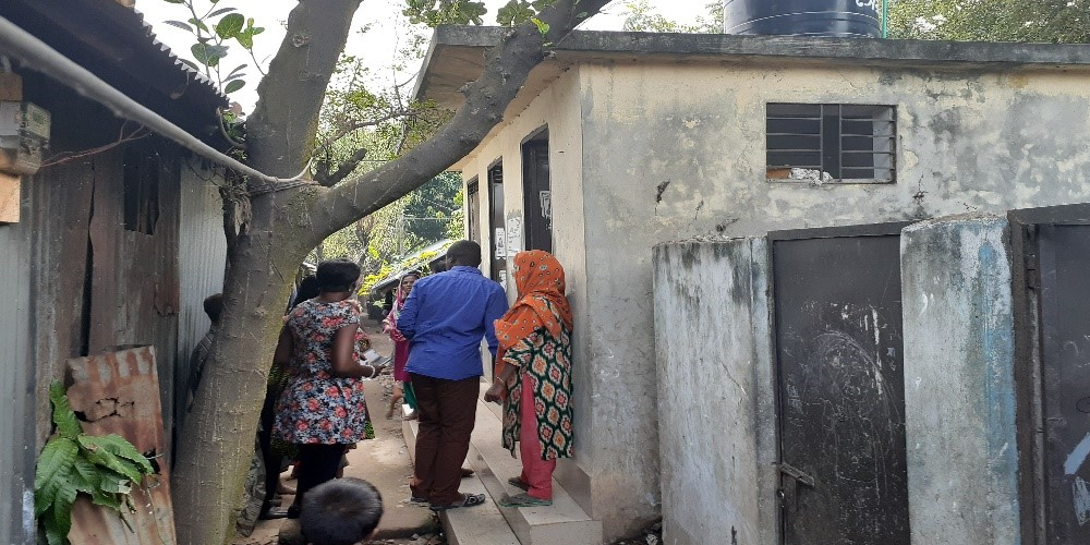 A community toilet constricted by DSK in a slum in Dhaka