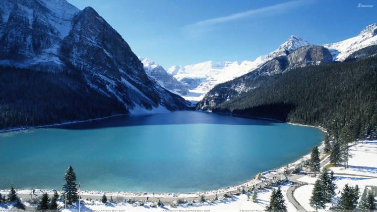 An image of the Lake Louise area.