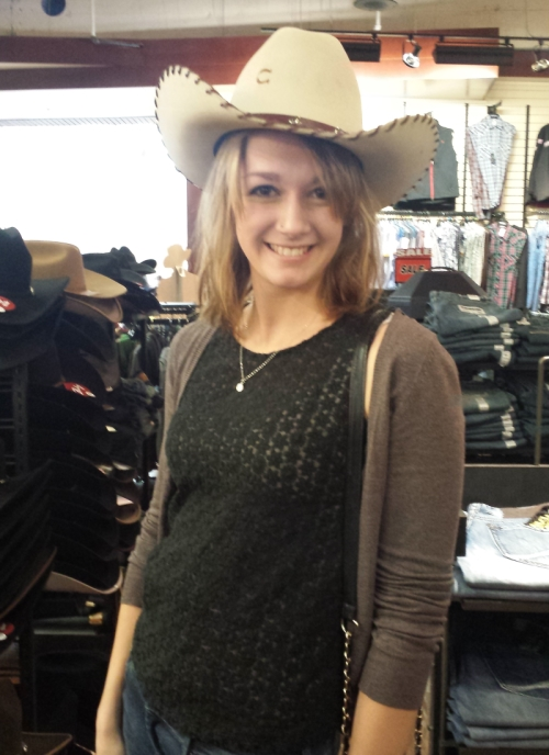 Image of Laura in a cowboy hat